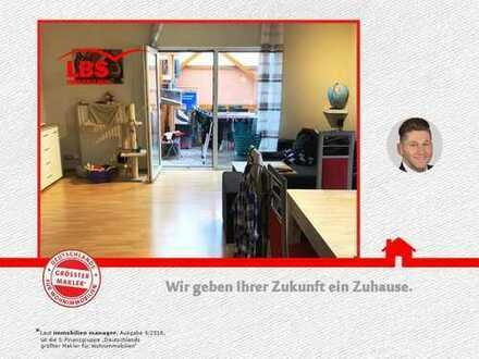 4 Zimmer Doppelhaushälfte in der Karl-Marx-Siedlung!