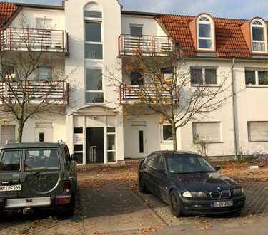 Stilvolle, sanierte 3-Zimmer-DG-Wohnung mit Balkon und EBK in Velten