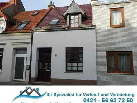 Bremen-Walle: Kernsaniertes RMH im erstklassigen Zustand, mit Dachterrasse, Hofgarten und Terrasse.
