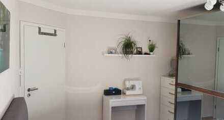 Stilvolle, gepflegte 2-Zimmer-EG-Wohnung mit Terasse und Einbauküche in Schwabmünchen