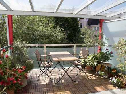 Ruhige, helle Wohnung mit großem Süd-Balkon + Glasdach