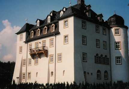 Repräsentatives Ambiente im Rittergut Schloss Heinersgrün 2 Zi. Wohnung mit Küche und Bad
