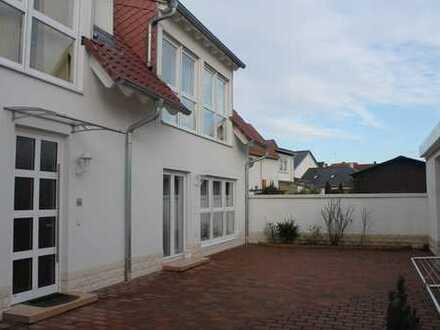 Schönes, geräumiges Haus mit vier Zimmern in Haßloch
