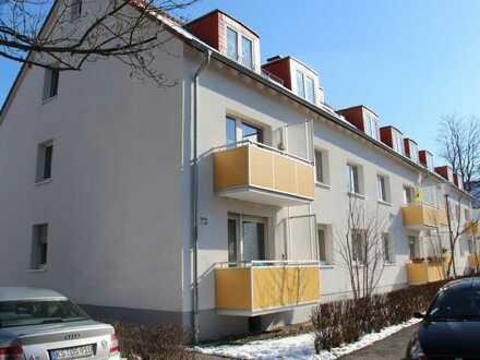 Wir modernissieren für Sie! Familienfeundliche 3 Zimmer Wohnung!