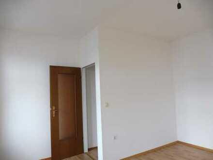 Frisch renovierte 2-Zimmer-Wohnung mit Einbauküche in Mönchengladbach-Rheydt