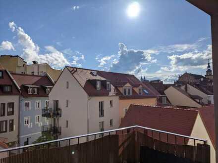 Großzügig geschnittene 4 Zimmer-Wohnung mit Balkon im Quartier an den Stadtmauern