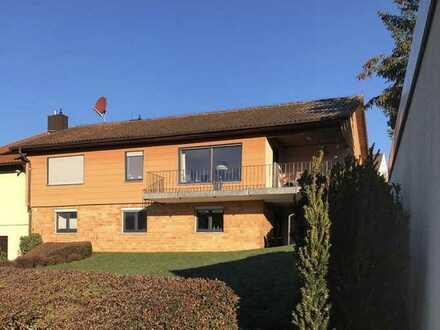 Sonniges Haus Höchberg - Kaltmiete 1.450 € + 160€ NK + Strom, Gas und Wasser, 162 m², 3 + 2 Zimmer