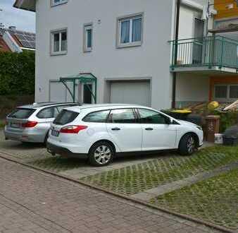 Neuwertige Wohnung mit drei Zimmern sowie Balkon und EBK in Sinzheim-Winden