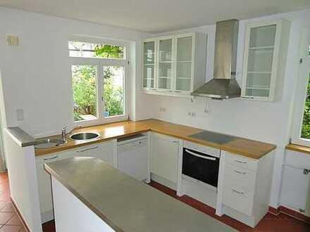 *** RUHIG & GRÜN: Licht durchflutete Wohnung mit Garten in Top-Lage! ***
