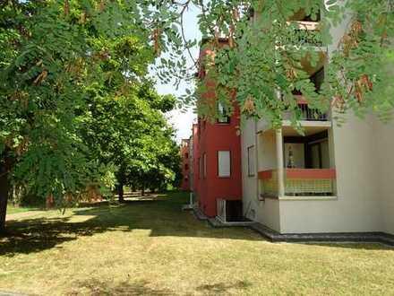 Eine sehr schöne und gut geschnittene 3-Zimmer-Wohnung mit 2 Bädern und 2 Balkonen!