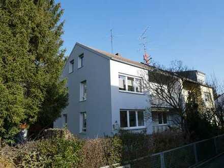 +++ schön renovierte EG-Wohnung mit Garten in kleiner Einheit -kurzfristig frei-+++