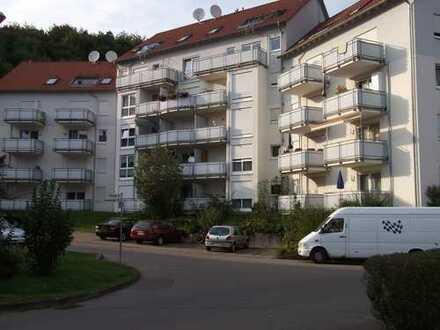 1,5 Zimmer Dachgeschosswohnung am Waldrand mit Hausmeisterservice!