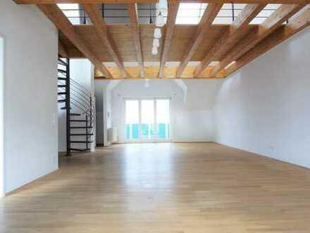 ARNOLD-IMMOBILIEN: Exklusive Maisonettenwohnung mit Schlossblick