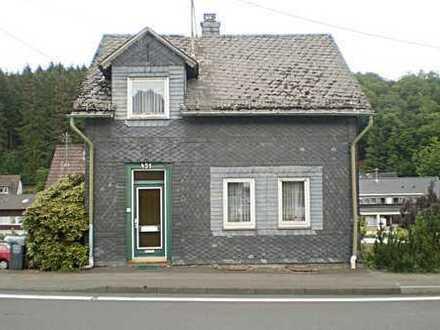 Gelegenheit für Schnäppchenjäger! Einfamilienhaus in Freudenberg-Lindenberg