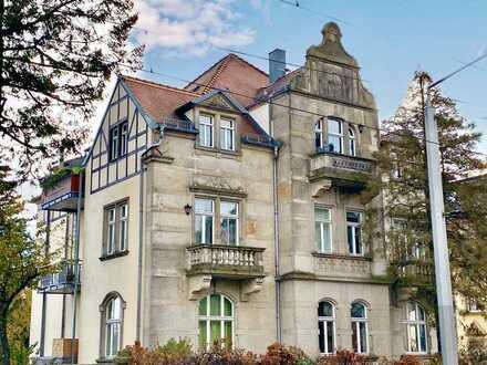 * helle und großzügige Maisonette-Wohnung mit Balkon nach Süden *