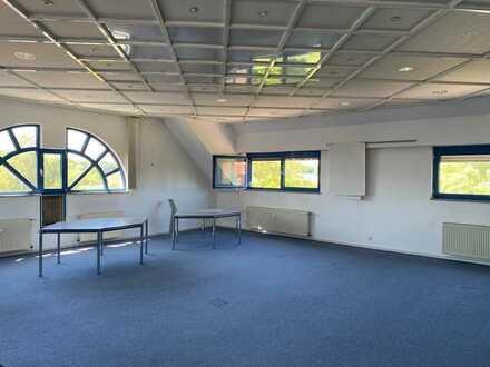 194 m² Büro , Praxis oder Schulungsraum in guter Lage