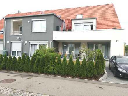 Traumhafte, großzügige 4-Zimmer-Wohnung mit Terrasse und Garten in ruhiger Wohnlage