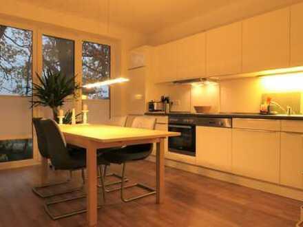 Lichtdurchflutet - großzügige 3 Zimmer mit Einbauküche und Dachterrasse - Beverbäker Wiesen