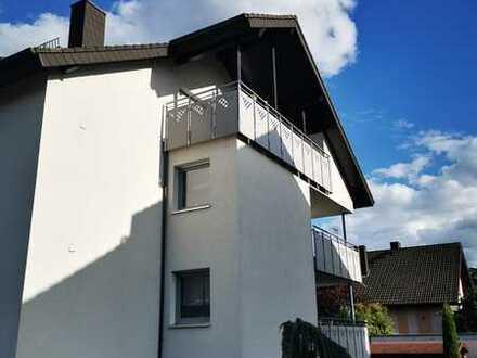Moderne, renovierte, gehobene 3-Zimmer-Dachgeschosswohnung mit Balkon und EBK in Karlsdorf