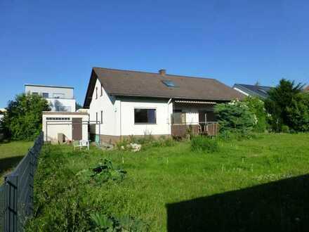 Gepflegtes 9-Zimmer-Einfamilienhaus mit Einbauküche in Sindelfingen-Darmsheim