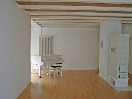 POCHERT IMMOBILIEN - Wunderschöne große Wohnung mit Garten im UNI-Wohngebiet
