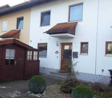 -PROVISONSFREI- Schönes RMH mit fünf Zimmern in Augsburg (Kreis), Königsbrunn