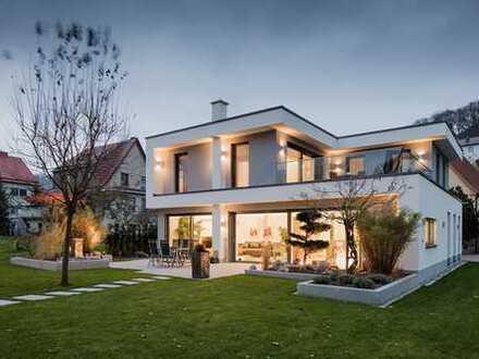 E&Co.- Projektion Villa mit hochwertiger Ausstattung vorbereitetes Smart Home + Lichtkonzept u.v.m.
