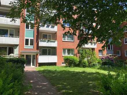Gepflegte 4-Raum-Erdgeschosswohnung mit Balkon und EBK in Hamburg-Billstedt
