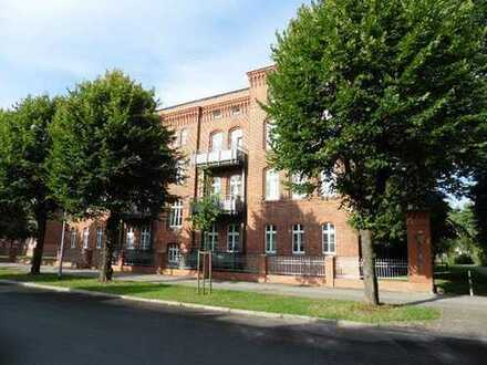 Schöne 3-Zi. Maisonette-Wohnung (ü. 2 Etagen) mit Balkon