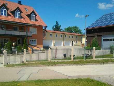Erschwingliche, geräumige und gepflegte 8-Raum-Wohnung mit EBK und Balkon in Beilngries