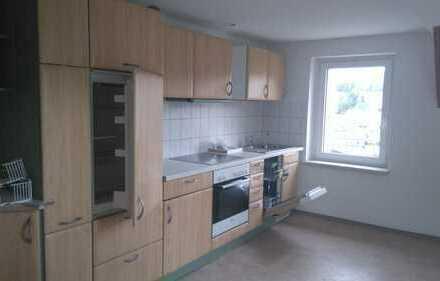 Wunderschöne helle Dachgeschosswohnung mit Einbauküche zu vermieten