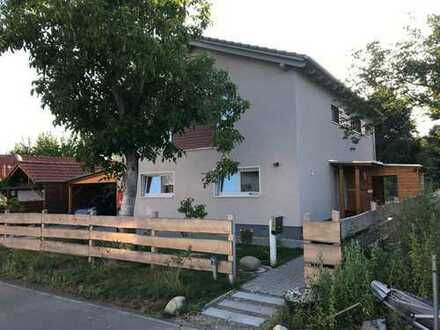 Zimmer im EFH (Norden Potsdams) mit Küche, Bad, (Garten nach Absprache), Nähe FH, Am Neuen Palais un