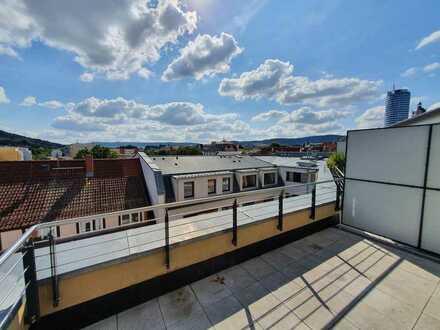 Dachterrasse, Parkett, zwei Bäder, TG-Stellplatz - Gut geschnittene 4,5-Raumwhg. in Toplage!