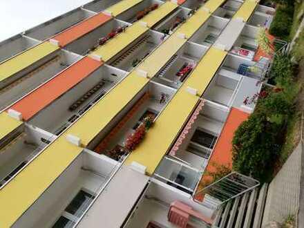 **Erstbezug nach Renovierung - hübsche 3-Raum Wohnung mit Balkon**