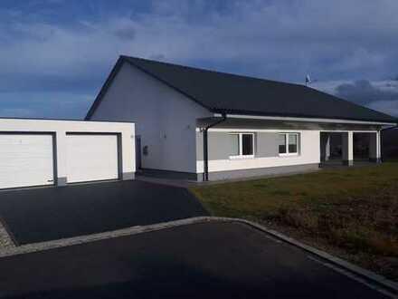 Schönes, geräumiges Haus mit vier Zimmern in Cham (Kreis), Cham