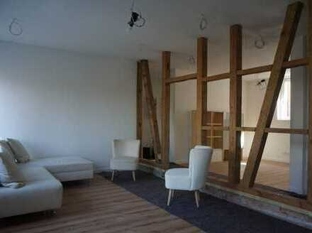 Zentral gelegene, kernsanierte teilmöblierte 3 Zimmerwohnung in historischem Fachwerkgebäude