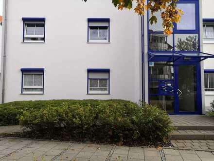 Stilvolle 3-Zimmer-EG-Wohnung mit Garten in Königsbrunn