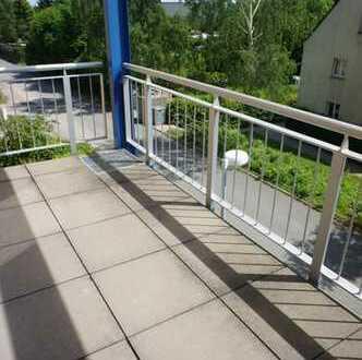Terrasse - Laminat wird verlegt - Einbauküche - im 2. OG!!