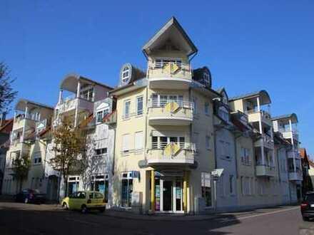 Großzügige 2 Zimmer DG Wohnung mit Balkon, Fahrstuhl - Wiesloch Zentrum