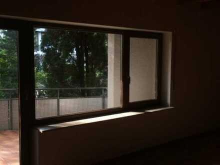 Gepflegtes Reihenhaus mit fünf Zimmern und EBK in Crailsheim