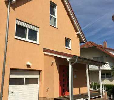 Gepflegtes, geräumiges Haus mit sechs Zimmern + Einliegerwohnung in Dieburg