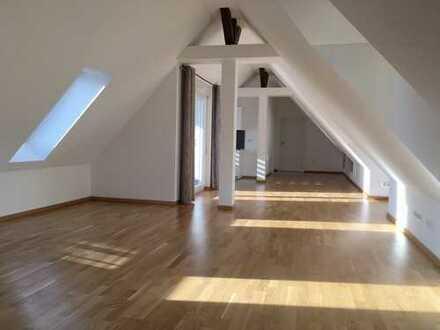 +++ Dachgeschosswohnung in Baden-Baden +++