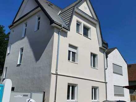 Schöne, geräumige zwei Zimmer Wohnung mit großer Küche und Badezimmer in Ginsheim