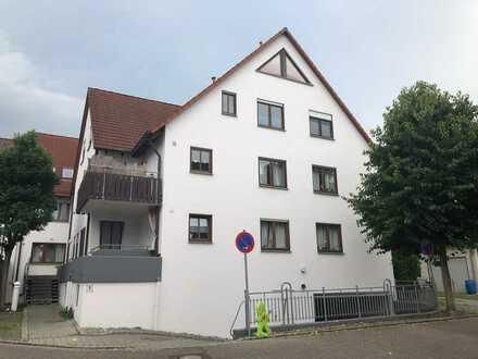 Gepflegte 2-Zimmer-Wohnung mit Balkon und Einbauküche in Tamm
