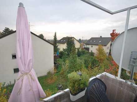 !! Attraktive, freiwerdende 4-Zimmer Wohnung mit Balkon in guter, ruhiger Lage S-Stammheim