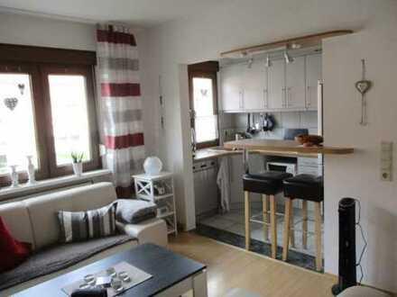 Gemütliche 3-Zimmer-Whg. mit Balkon und Einbauküche in Rösrath (teilmöbliert) - Ideal für Pendler!