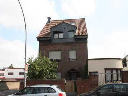 Schöne große 4 Zimmerwohnung mit Dachterrasse !