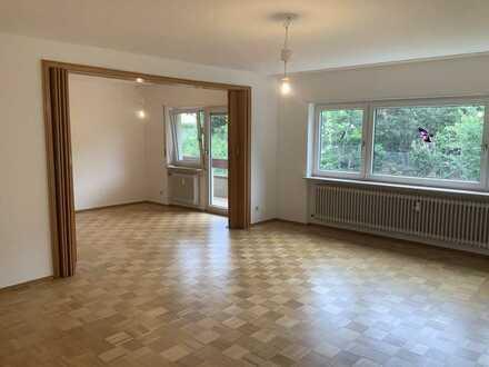 Etagenwohnung ca. 125 m² 4 Zimmer, Küche, Bäder, renoviert in zentraler Lage in Neckargemünd