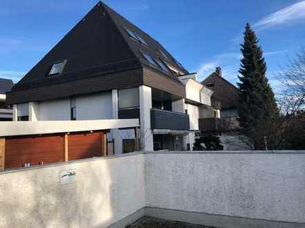 Zentral gelegene 2-Zimmer-Wohnung in Pullach Teilrenovierungsbedürftig