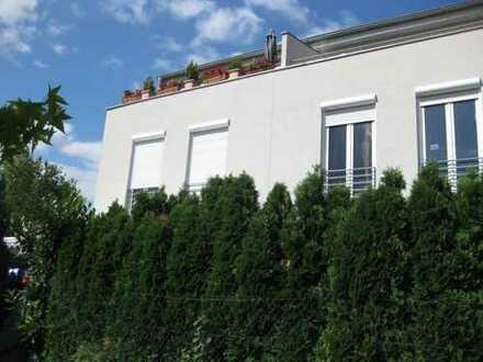 Moderne,helle Doppelhaushälfte mit Garten und Dachterrasse, zentral in Binzen